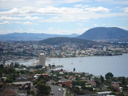 Vue sur le port et une partie du centre-ville de Hobart